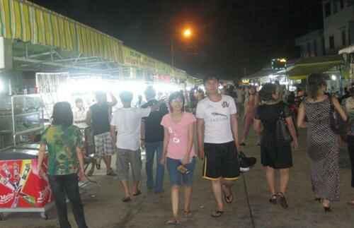 KinhNghiemDuLich.org  Ăn món nướng chợ đêm Dinh Cậu