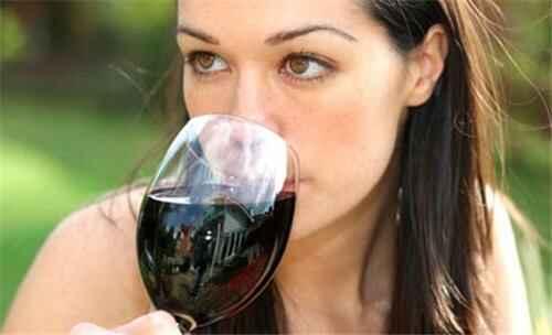 KinhNghiemDuLich.org  Rượu vang với lợi ích cho phụ nữ