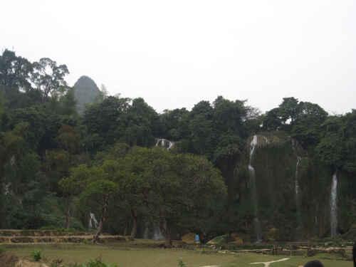 Bản Giốc - ngọn thác phía đỉnh trời