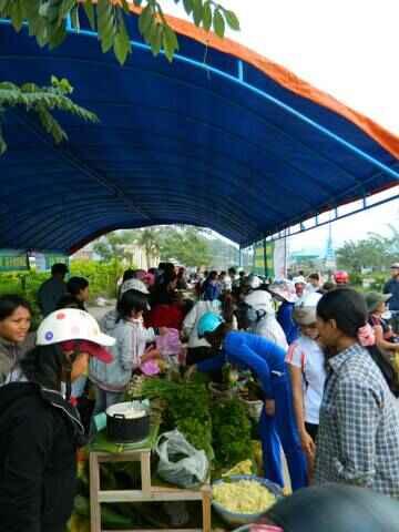 KinhNghiemDuLich.org  Chợ phiên Cơ Tu