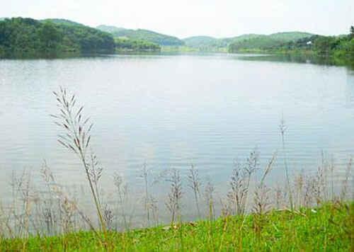 Hồ Khởn - Điểm du lịch sinh thái ở Tuyên Quang