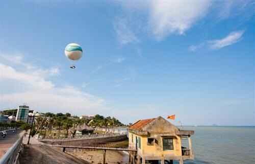 Ngắm biển Nha Trang từ khinh khí cầu