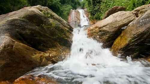 Ngược dòng thác Chòi