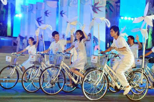 KinhNghiemDuLich.org  Nha Trang soi dong trong dem hoi Carnaval