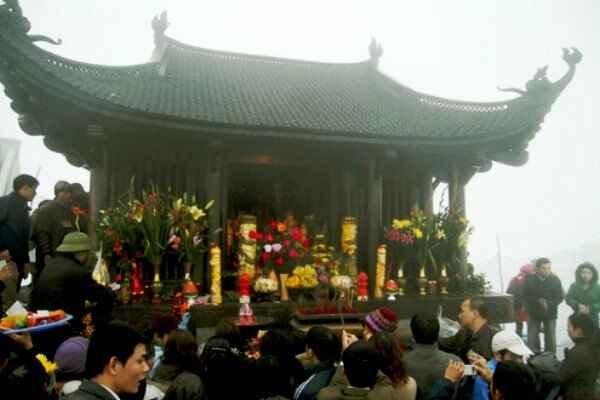 KinhNghiemDuLich.org   Yên Tử lãng đãng mây ngàn