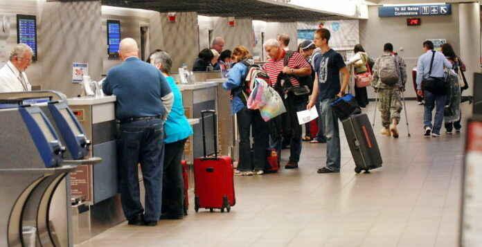 Kinh nghiệm du lịch: Những vật dụng cần tránh mang theo khi đi máy bay